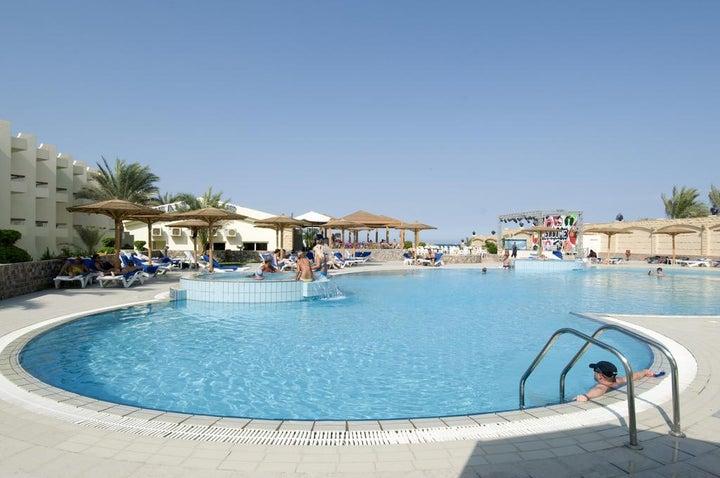 Palm Beach Resort Image 8