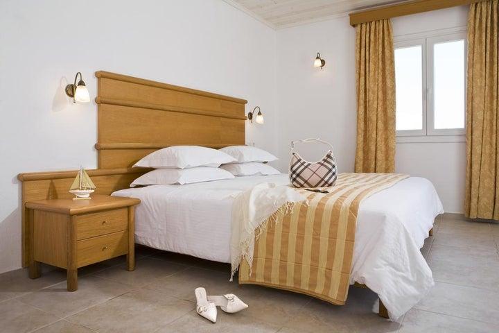 Yiannaki Hotel Image 9