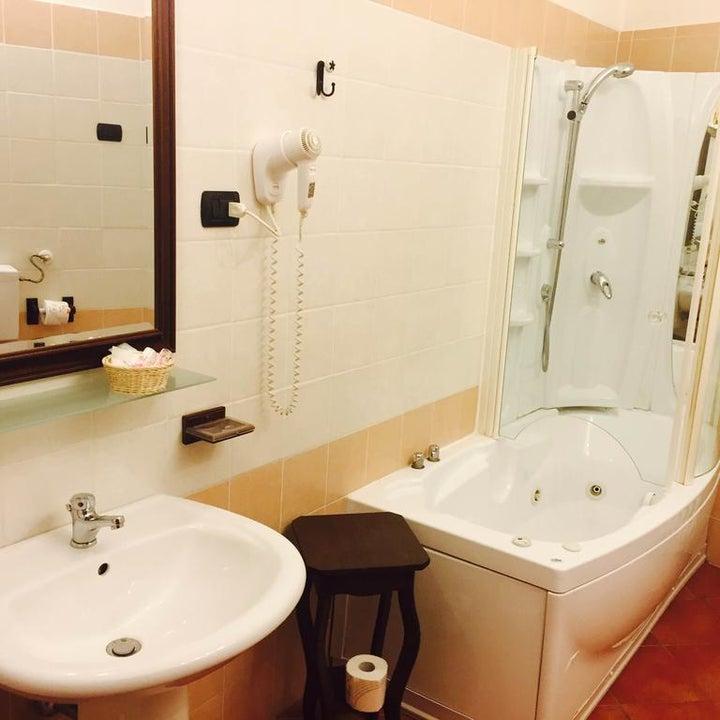 Grand Hotel Capodimonte Image 3