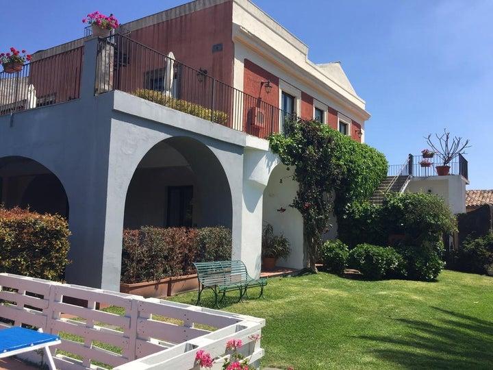 Etna Hotel Image 0