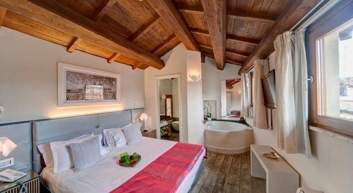 Navona Palace Luxury Inn in Rome, Italy