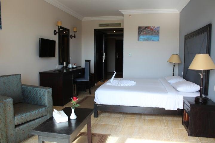 Mirage Aqua Park Hotel & Spa Image 2