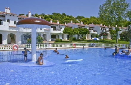 Son bou holidays 2018 2019 holidays from 147pp for Family hotels belfast swimming pool