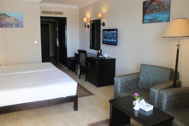 Mirage Aqua Park Hotel & Spa Image 4
