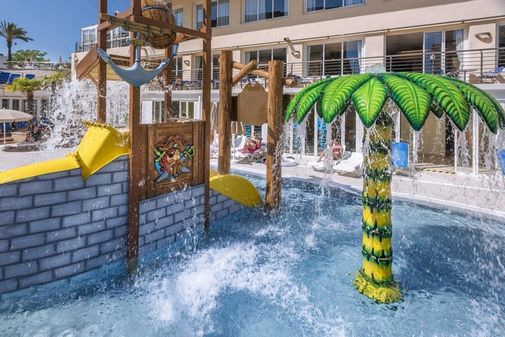 Oasis Park Splash Hotel Image 3