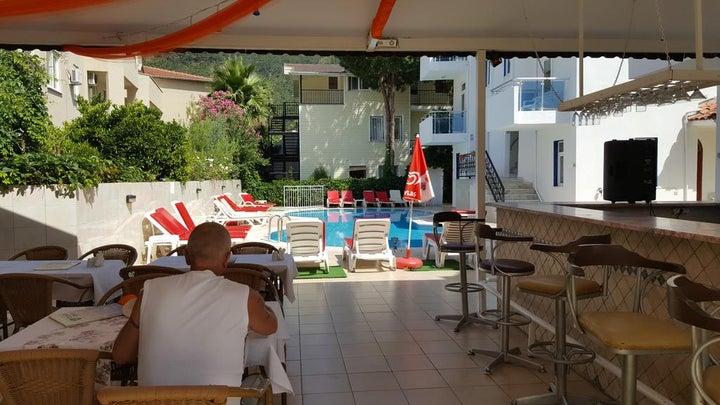 Tolan Apartments Image 8