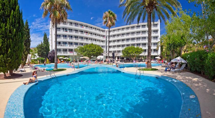 Js Sol De Alcudia In Puerto Majorca Holidays From 409pp Loveholidays Ie