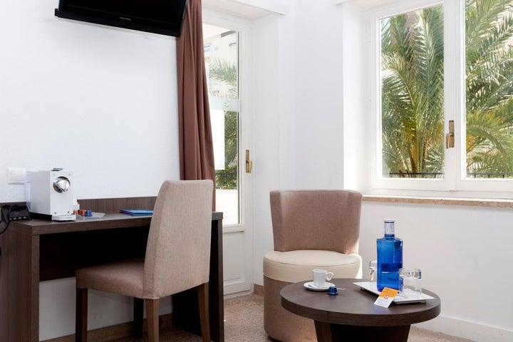 Gran Hotel Delfin Image 8