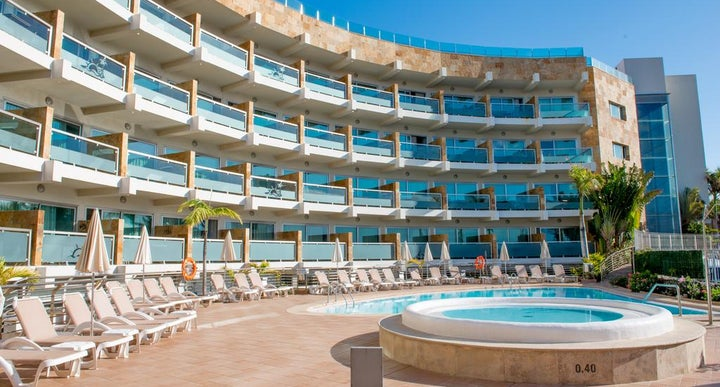 Marinasol aparthotel in san agustin gc gran canaria for Gran canaria padel indoor