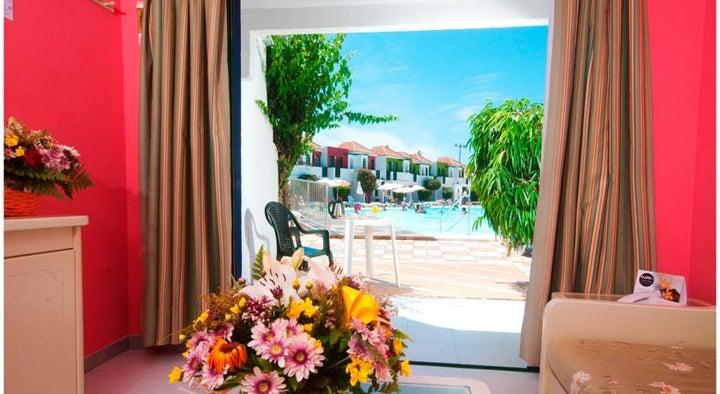 Vista Flor Bungalow Image 1
