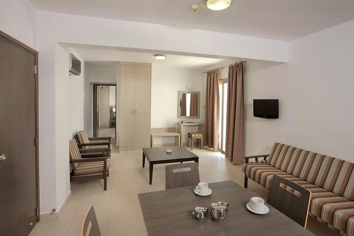 Petrosana Hotel Apartments Image 3