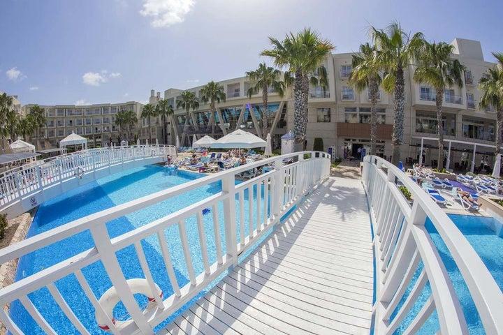 La Blanche Resort & Spa Image 1