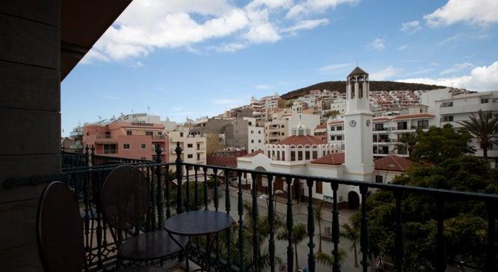 Reveron Plaza Hotel Image 26
