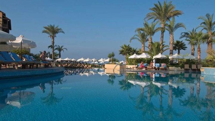 Elysium Resort Hotel Image 1