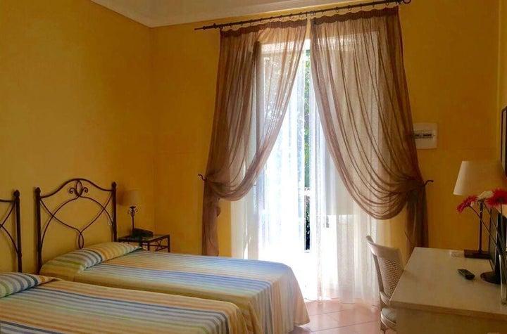 Etna Hotel Image 3