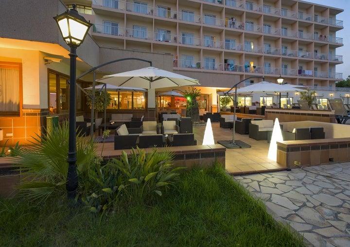 Invisa Es Pla Hotel Image 9