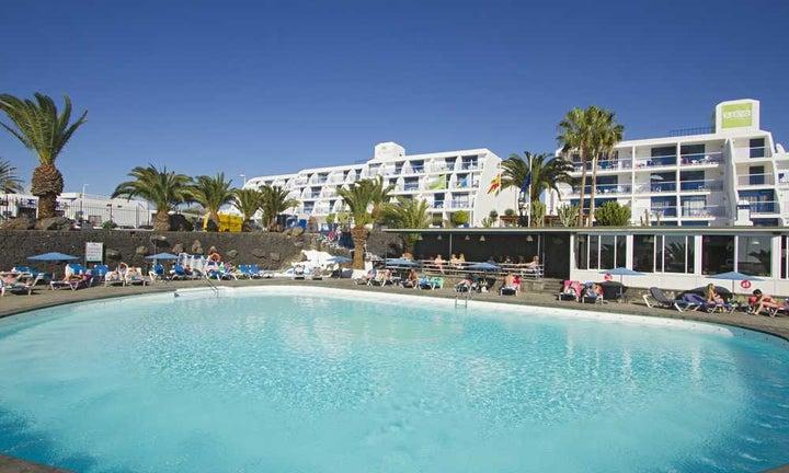 Los Hibiscos Apartments in Puerto del Carmen, Lanzarote, Canary Islands