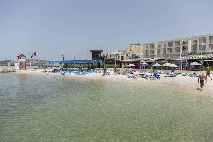 La Blanche Resort & Spa Image 12