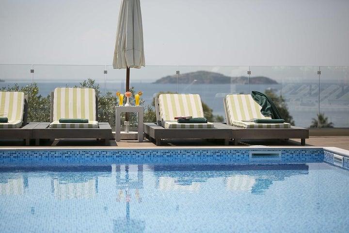 Irida Hotel Image 0