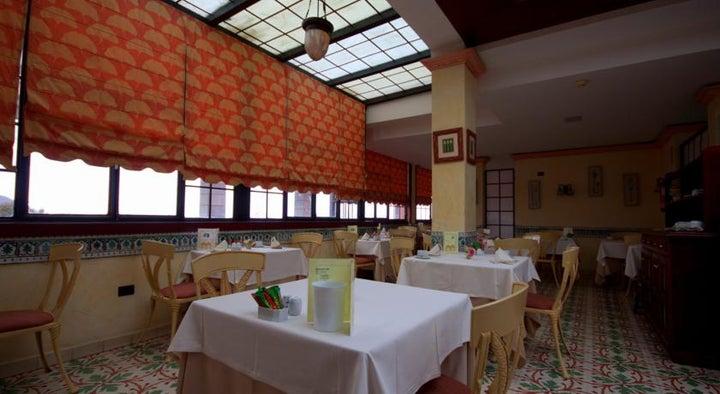 Reveron Plaza Hotel Image 17