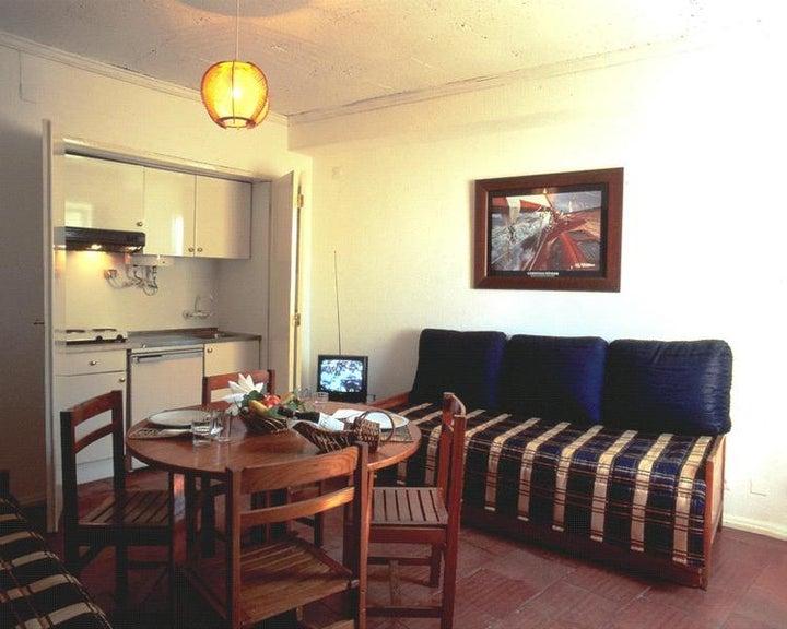 Regina Apartments Image 2