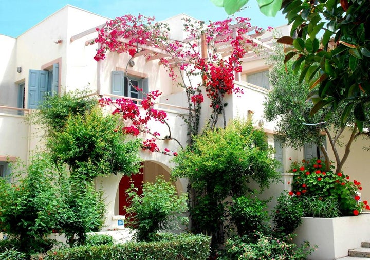 Nissia Kamares Hotel & Apartments Image 0