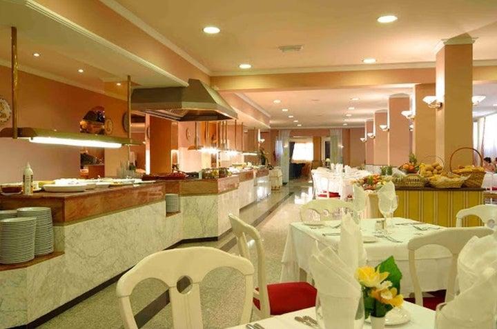 Las Arenas Hotel Image 39