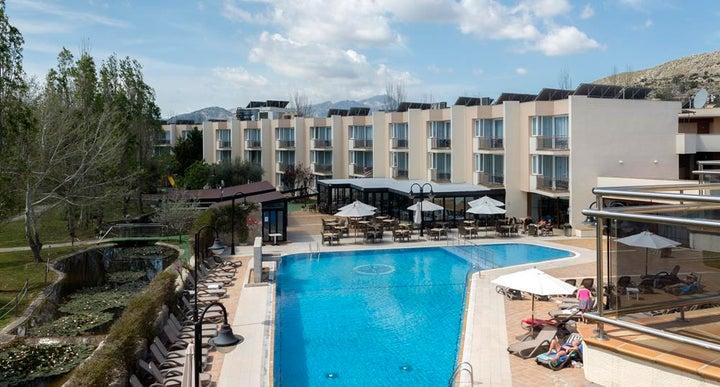Duva aparthotel in puerto pollensa majorca holidays - Duva aparthotel puerto pollensa ...
