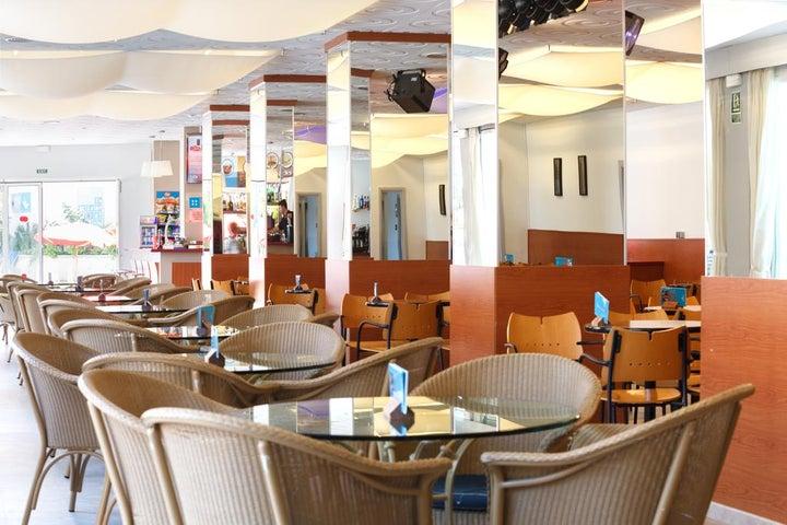 Oasis Park Splash Hotel Image 16