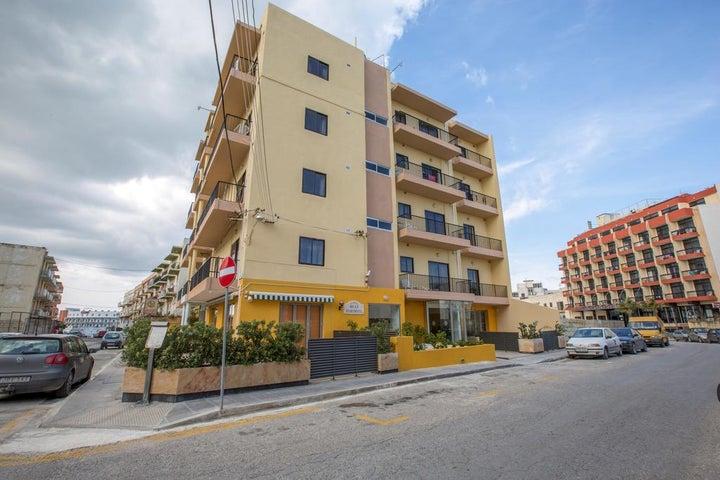 Huli Hotel & Apartment in St Paul's Bay, Malta