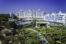 Rubi Platinum Spa Resort And Suite