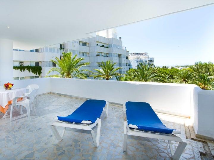 Monarque Sultan Aparthotel Image 4