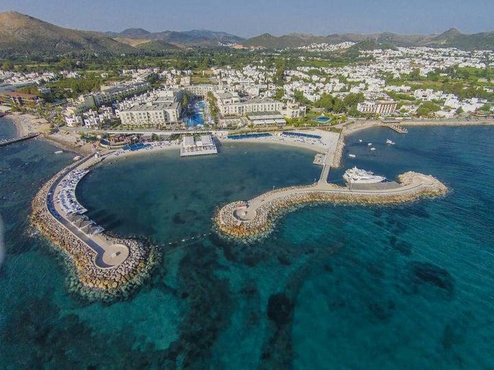 La Blanche Resort & Spa Image 3