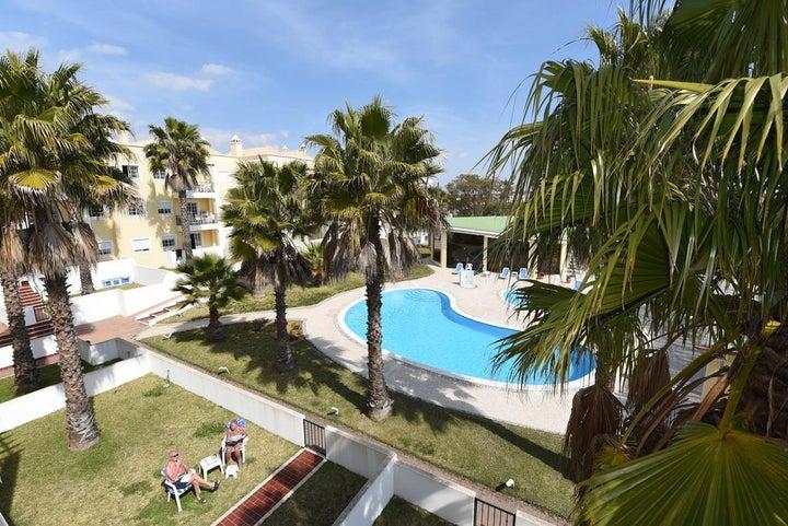 Praia da Lota Resort - Apartments Image 12