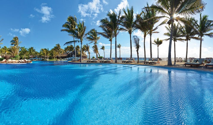 Grand Oasis Cancun Image 1