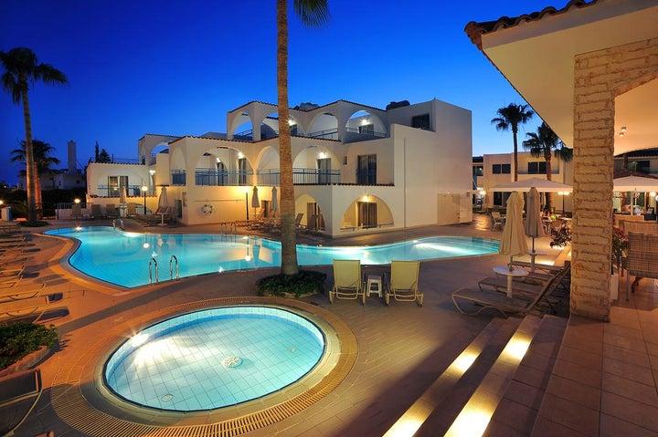 Petrosana Hotel Apartments Image 0