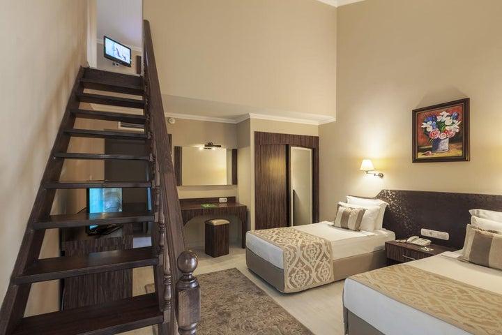 Club Turan Prince World Hotel Image 1