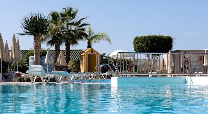 Gala Hotel Image 4