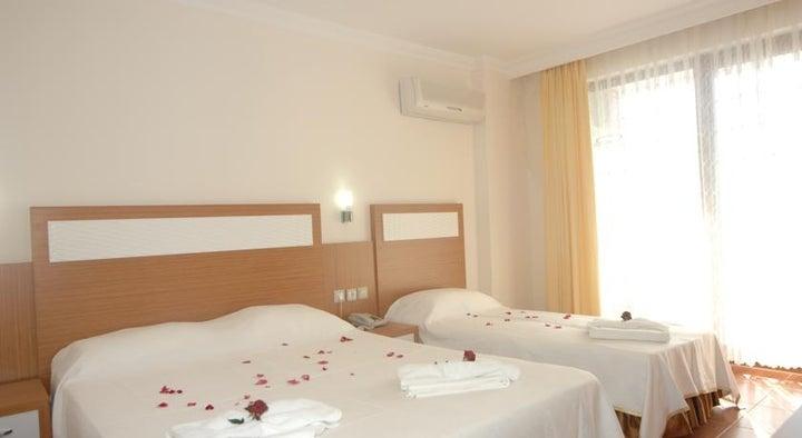Royal Ideal Beach Hotel Image 7