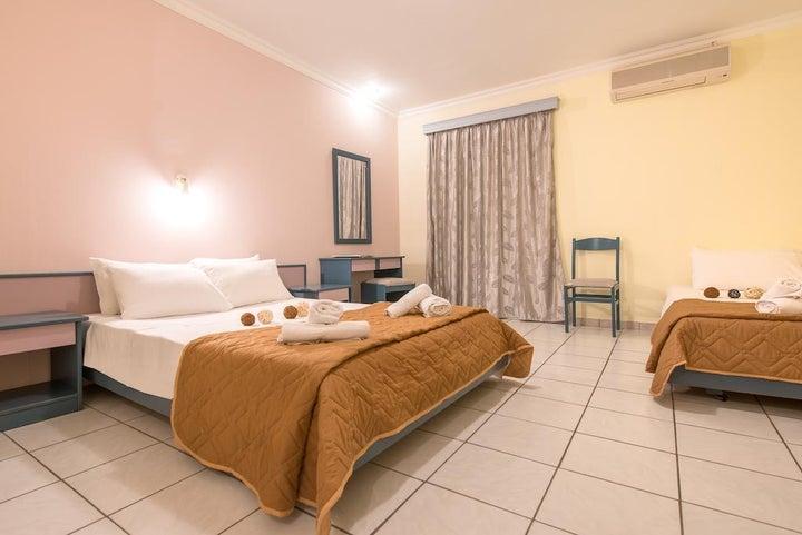 Sofias Hotel Image 2