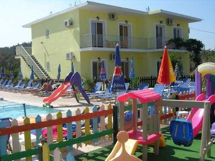 Amadeus Hawaii Studios & Apartments in Sidari, Corfu, Greek Islands