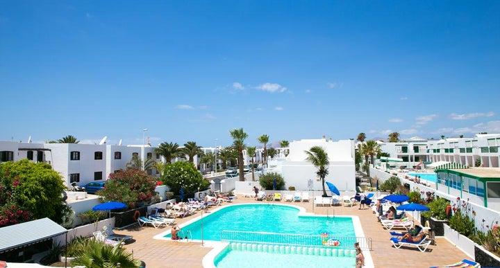Oasis apartments in puerto del carmen lanzarote - Hotels in puerto del carmen ...