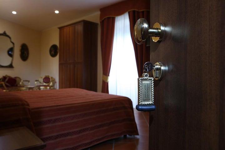 Grand Hotel Capodimonte Image 38