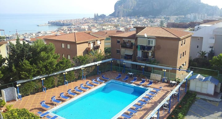 Villa belvedere in cefalu italy holidays from 216pp - Hotels in catania with swimming pool ...