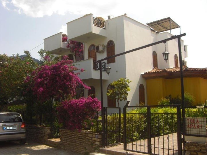 Tolan Apartments Image 16
