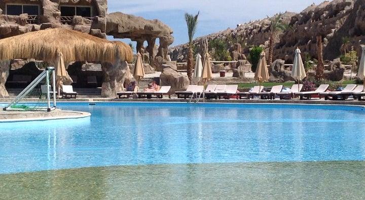 Caves Beach Resort Hurghada Image 13