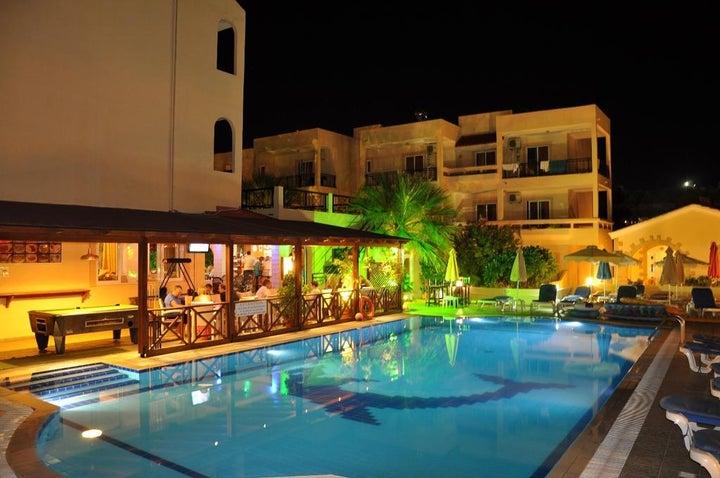Summer Memories Hotel Apartments in Pefkos, Rhodes, Greek Islands