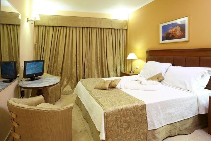 Ariti Grand Hotel Image 23