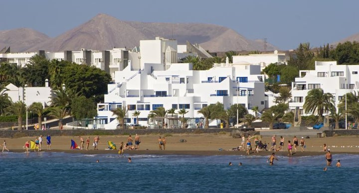 Club pocillos in puerto del carmen lanzarote holidays - Lanzarote walks from puerto del carmen ...