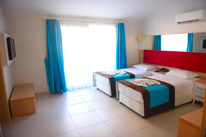 Marcan Beach Hotel Image 5